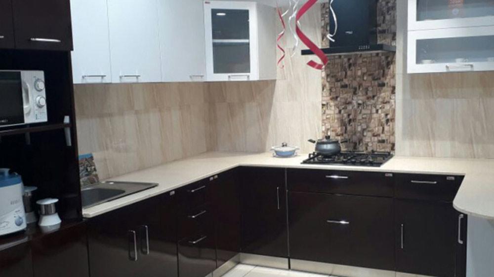 Kitchen furnishing & appliances