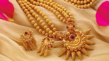 Profitable online business of artificial jewellery on Sale