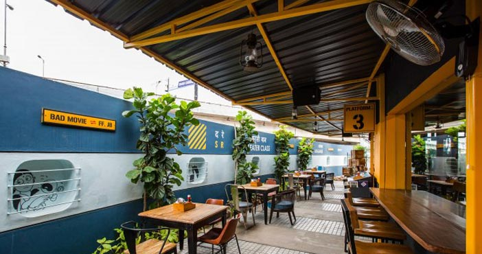 Bars, Pubs  & Lounge